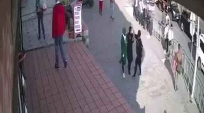 Başörtülü kıza çirkin saldırı