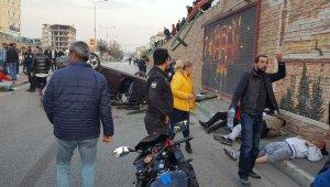 Bursa'da can pazarı: Köprüden aşağı uçan araçta 4 kişi yaralandı! - Bursa haberleri