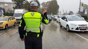 Çakarlı araçlara ceza yağdı - Bursa Haberleri