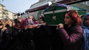 Cinayete kurban gitti, Cenazesi kadınlar omuzlarında taşıdı