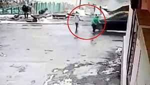 Çocuğa çarpan araç, küçük çocuğu metrelerce yükseğe fırlattı