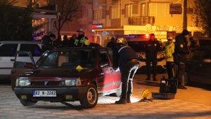 Dehşete düşüren olay: Alkol aldığı arkadaşının boğazını kesti, cesetle sokakta dolaştı!