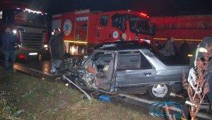 Feci trafik kazası! Alkollü sürücünün kullandığı otomobil tırla çarpıştı: 1 ölü, 1 yaralı