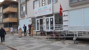 Göçmen sağlık merkezini soydular - Bursa Haberleri