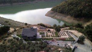 Gölet manzaralı kaçak villa yıkıldı - Bursa Haberleri