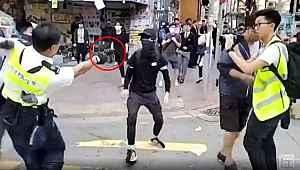 Göstericinin vurulduğu an, canlı yayın yapan kamera tarafından kaydedildi