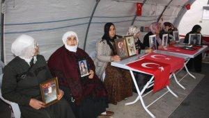 HDP önündeki ailelerin direnişi 79'uncu günde