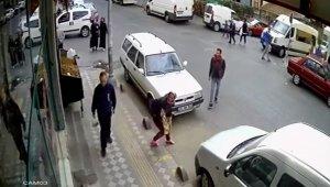 Hırsız kadın yakalanınca cadde ortasında soyundu