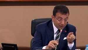 İBB meclisinde gergin anlar! Ekrem İmamoğlu çileden çıktı: Elini indir, haddini bildiririm sana