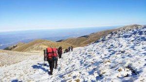 İlk karla birlikte Uludağ'ın zirvesine tırmandılar - Bursa Haberleri
