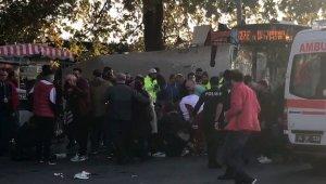 İstanbul'da otobüs durağa daldı, Yaralılar var