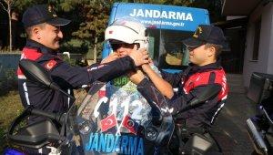 Jandarma 20 Kasım Dünya Çocuk Hakları Günü'nü unutmadı - Bursa Haberleri