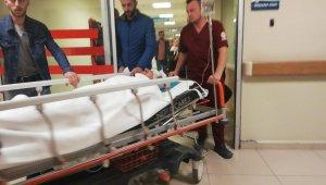 Kamyon traktöre arkadan çarptı 2 yaralı - Bursa Haberleri