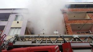 Kışlık odunları kül oldu, yangın mahalleliyi sokağa döktü - Bursa Haberleri