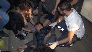 Motosiklet ile otomobil çarpıştı: 2 yaralı...
