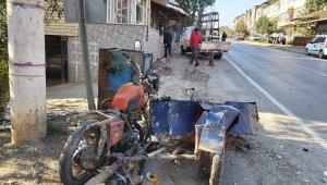 Önce dondurmacının motosikletine çarptı, sonra dükkana girdi - Bursa Haberleri