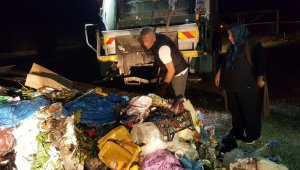 Para dolu poşeti yanlışlıkla konteynere attı, 2 ton çöpü 1 saat boyunca karıştırdı!