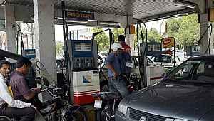 Petrol zengini ülkede benzine yüzde 50 zam şoku