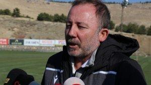 """Sergen Yalçın: """"Çok agresif bir teknik direktör değilim"""""""