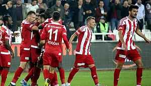 Sivasspor, Konyaspor'u 2-0 mağlup etti ve Süper Lig'in yeni lideri oldu