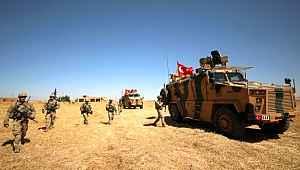 Türkiye ile Rusya'nın ortak devriyesi öncesi sınırda hareketlilik yaşandı