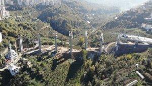 Türkiye'nin maliyeti en yüksek şehir içi yol inşaatlarından biri olarak gösteriliyor