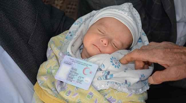 Yeni doğan bebeğe Devlet Bahçeli'nin ismini verdiler