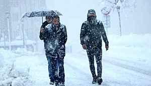 3 şehirde yoğun kar nedeniyle eğitime ara verildi
