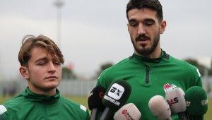 """Ali Akman:""""Bursaspor'da iyi işler yaparak Avrupa'ya gitmek istiyorum"""" - Bursa Haberleri"""