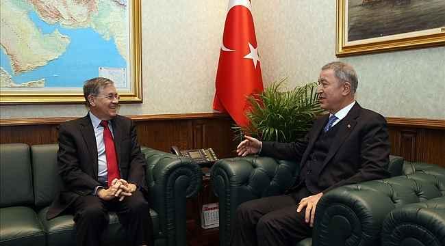 Bakan Akar, ABD'nin Ankara Büyükelçisi Satterfield'i kabul etti