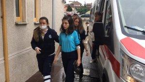 Barut kokusu çocukları etkiledi... Çok sayıda öğrenci hastaneye kaldırıldı - Bursa Haberleri