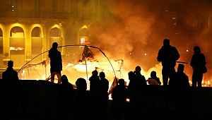 Beyrut'taki gece eylemine yine polis müdahalesi