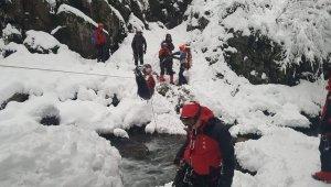 Bursa, Uludağ'da kayıp dağcıları arayan AKUT üyeleri yaşanılanları anlattı