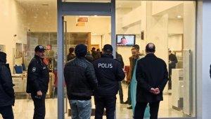 Bursa'da silahlı, bombalı banka soygunu!