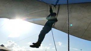 Çadırla beraber uçan pazarcı o anları anlattı