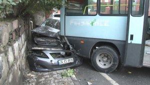 Feci kazada 1'i ağır 3 yaralı