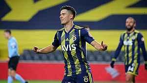 Ferdi Kadıoğlu'nun performansı Fenerbahçeli taraftarları mutlu etti