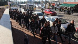FETÖ'den gözaltına alınan 18 eski polis akademisi ve polis koleji öğrencisi adliyede