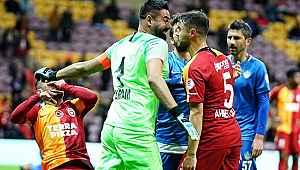 Galatasaray-Tuzlaspor maçında gerginlik