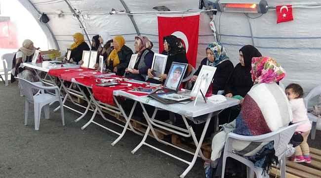 HDP önündeki ailelerin evlat nöbeti 93'üncü gününde devam ediyor