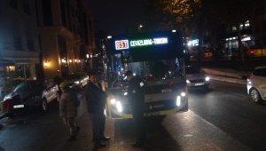İETT otobüsü yolun karşısına geçmeye çalışan kadına çarptı