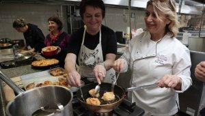 Kadın dernekleri Bursa'nın lezzetlerini öğreniyor - Bursa Haberleri
