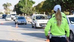 Kadın polisten drone ile sigara uygulaması