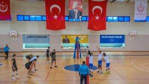 Karacabey Belediyespor Voleybol Takımı şampiyonluk yolunda - Bursa Haberleri