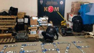 Kocaeli'de sahte plaka basımı yapan galeriye operasyon: 4 gözaltı