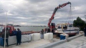 Lodos Silivri'de teknelere zarar verdi