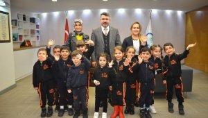 Miniklerden Başkan Yılmaz'a ziyaret - Bursa Haberleri