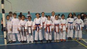Mustafakemalpaşa Belediyesporlu karatecilerin başarısı sürüyor - Bursa Haberleri