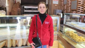 Müşterinin 750 lirasını çalan hırsız bu defa kadın çalışanı soyarken yakalandı