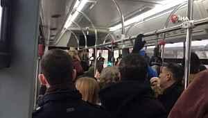 Otobüs şoförü, yolculara küstü, dakikalarca araçta bekletti